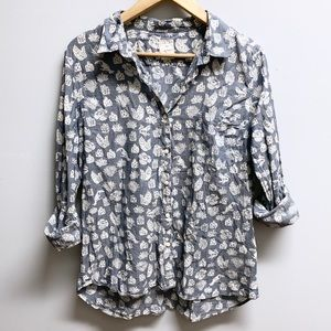 Gap • blue/white pineapple button up top